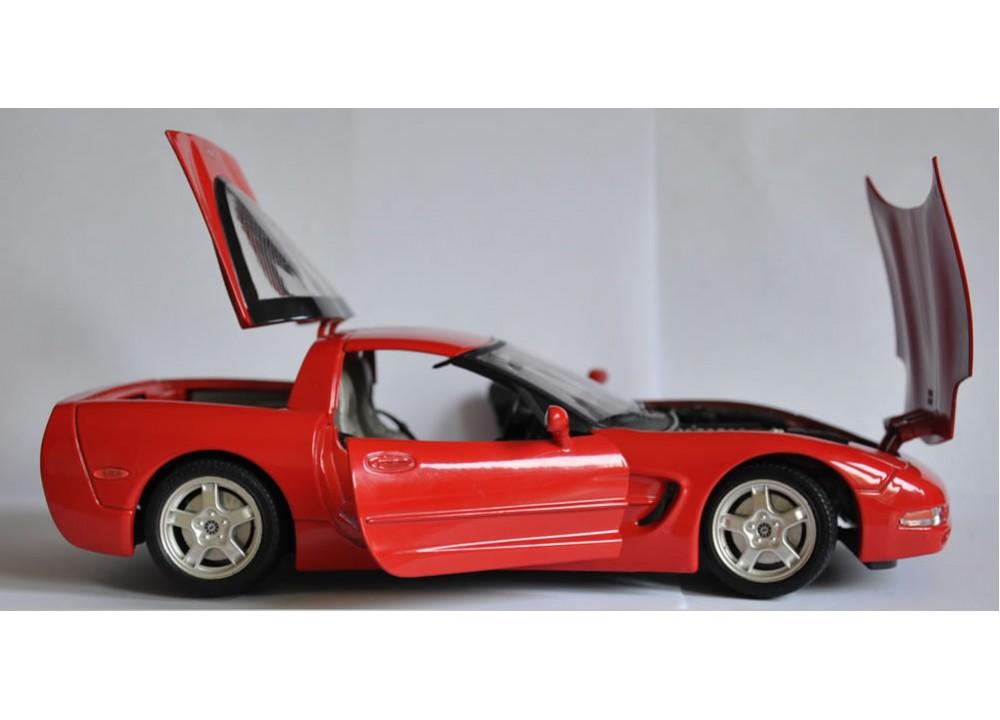 bburago chevrolet corvette c5. Black Bedroom Furniture Sets. Home Design Ideas