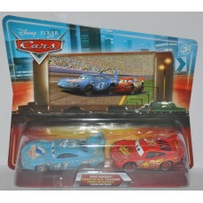 Disney Pixar Cars King Damaged & Lightning McQueen 95 Movie Moments
