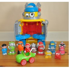 Early Learning Centre Retro Robot Car Figures With Lights & Sounds Playset Toys